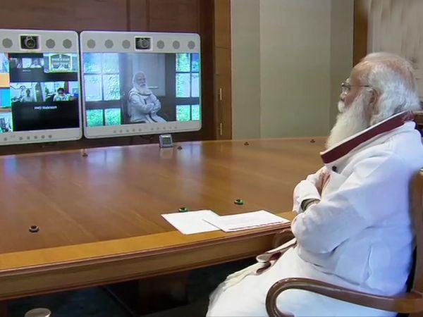 प्रधानमंत्री नरेंद्र मोदी ने सभी मंत्रालयों और डिपार्टमेंट्स को ऑक्सीजन सप्लाई के लिए तालमेल से काम करने पर जोर दिया। - Dainik Bhaskar