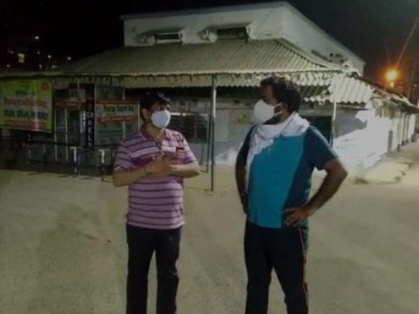 अस्पताल का निरीक्षण पहुंचे DM पहुंचे यशपाल मीणा।