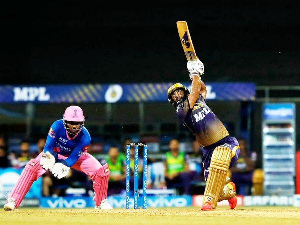 कोलकाता के लिए राहुल त्रिपाठी ने 26 बॉल पर 36 रन की पारी खेली। वे टीम के लिए सबसे ज्यादा रन बनाने वाले बल्लेबाज रहे।