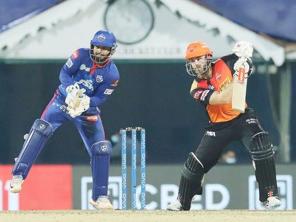 हैदराबाद टीम के लिए केन विलियम्सन ने नाबाद 66 रन की पारी खेली। सुपर ओवर में भी उन्होंने डेविड वॉर्नर के साथ बल्लेबाजी की थी।