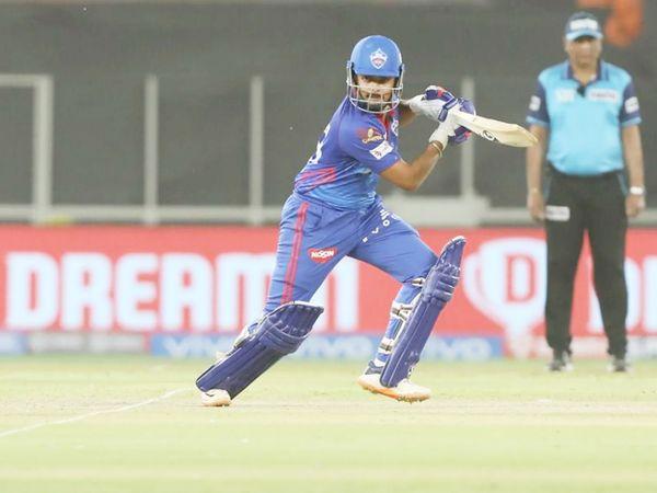 पृथ्वी शॉ ने IPL में 1000 रन पूरे कर लिए। इसके लिए उन्होंने 44 मैच खेले हैं। शॉ इस मैच में सिर्फ 21 रन ही बना सके।