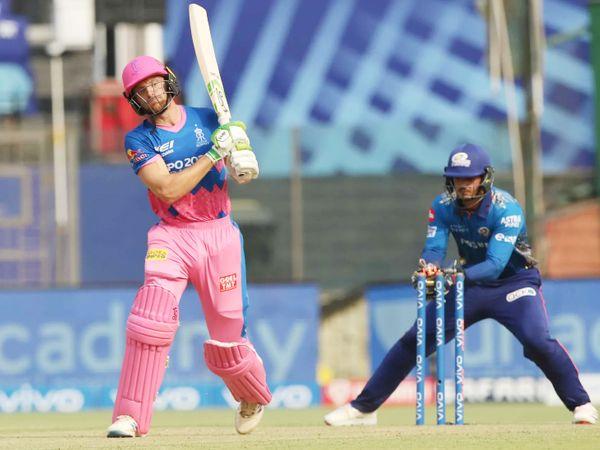 राहुल चाहर की बॉल पर क्विंटन डिकॉक ने जोस बटलर को स्टंप किया। बटलर ने 32 बॉल पर 41 रन की पारी खेली।