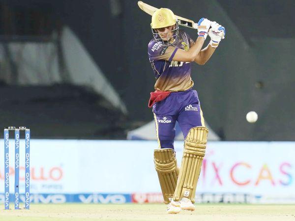 डबल हेडर के दूसरे मैच में दिल्ली के खिलाफ कोलकाता के ओपनर शुभमन गिल ने शानदार पारी खेली। वे 38 बॉल पर 43 रन बनाकर आउट हुए। उन्हें आवेश खान ने आउट किया।