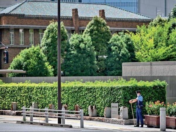 भव्य 'सोरी कोटेई' छोड़ डोरमेट्री में रह रहे हैं जापानी प्रधानमंत्री। - Dainik Bhaskar