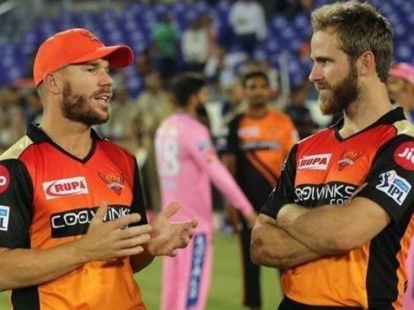 वॉर्नर की कप्तानी में सनराइजर्स हैदराबाद एक बार चैम्पियन भी रह चुकी है। इस बार टीम आखिरी स्थान पर चल रही है। - Dainik Bhaskar
