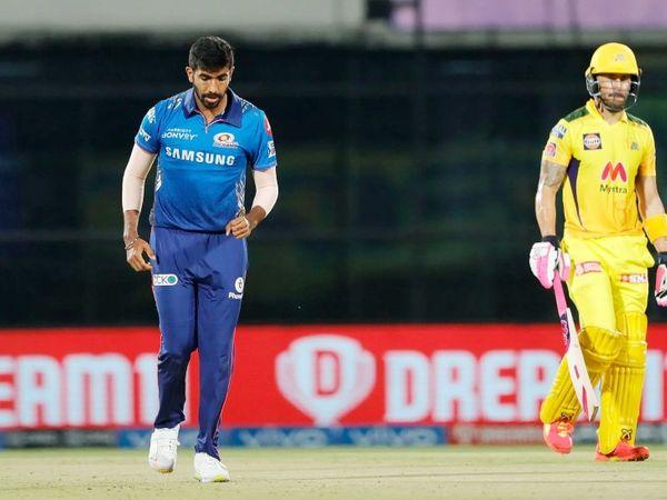 जसप्रीत बुमराह ने लीग में पहली बार अपने 4 ओवर के स्पेल में 56 रन लुटाए। इससे पहले 2015 में उन्होंने दिल्ली के खिलाफ 55 रन दिए थे।