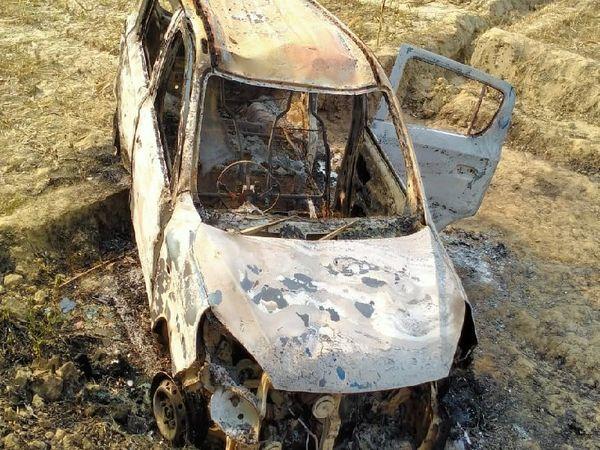 आक्रोशित लोगों ने मृत अनुज के दोस्त त्रिभुवन की कार जला दी।