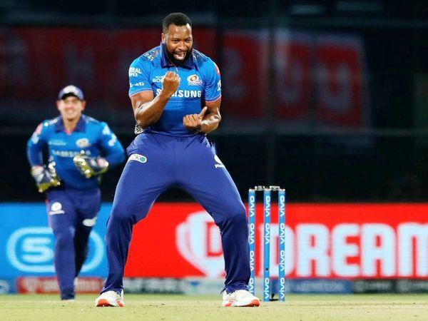 कीरोन पोलार्ड ने 2 ओवर में 12 रन देकर 2 विकेट लिए।
