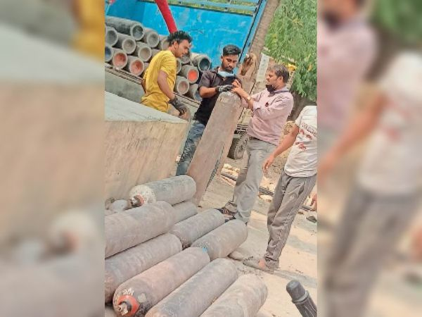 बारां। जिला अस्पताल में ऑक्सीजन की खपत बढ़ गई है। - Dainik Bhaskar