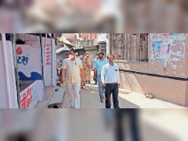 टोडाभीम|जन अनुशाशन पखवाड़े के बीच एसडीएम ने बाजारों का निरीक्षण कर व्यापारियों से खाद्य पदार्थों की कालाबाजारी नही करने की अपील की। - Dainik Bhaskar