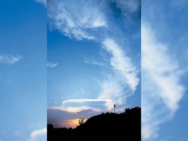 राजनांदगांव. दोपहर तक तेज धूप रही, इसके बाद सफेद बादल दिखे। - Dainik Bhaskar