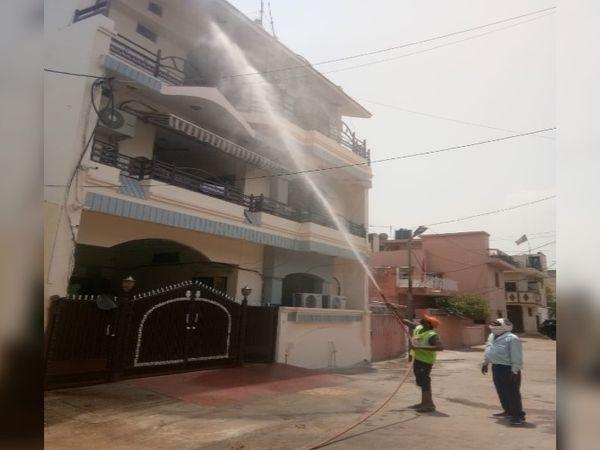 भवनों को इस तरह सैनिटाइज किया - Dainik Bhaskar