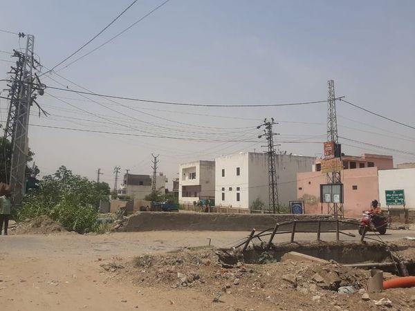 इस पुलिया का निर्माण - Dainik Bhaskar