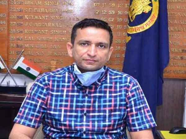 DC घनश्याम थोरी ने कहा कि अगर किसी दुकान पर भीड़ हुई तो पुलिस कार्रवाई करेगी। - Dainik Bhaskar