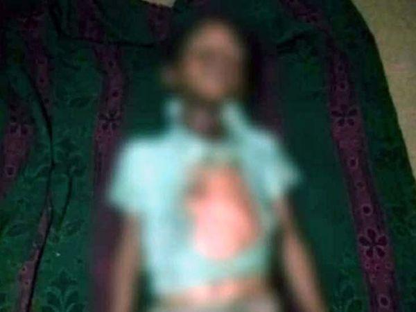 अमित कुमारअपनी बहन के साथ घर के बगल के महुआ के पेड़ के नीचे खेल रहा था और इसी दौरान आकाशीय बिजली गिरी। - Dainik Bhaskar