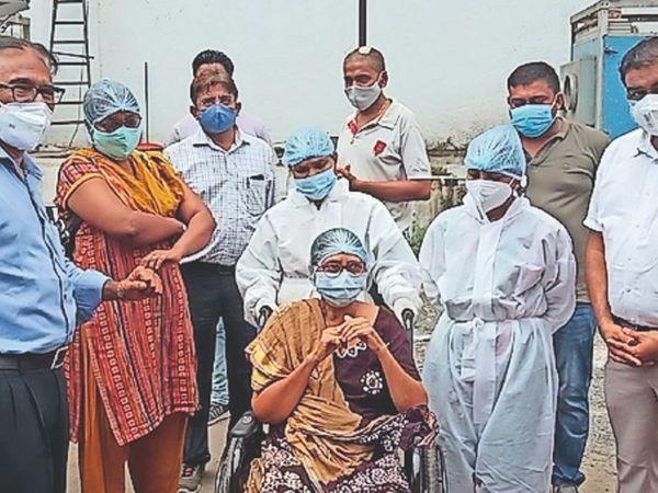 5 दिन पहले पति को खोने वाली निरंजना ने 11 दिन में कोरोना को दी मात - Dainik Bhaskar