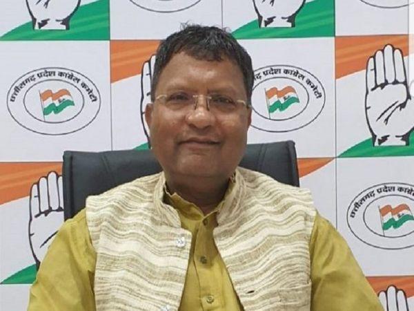 शैलेश नितिन त्रिवेदी कांग्रेस संचार विभाग के प्रमुख हैं। वे छत्तीसगढ़ राज्य पाठ्य पुस्तक निगम के भी अध्यक्ष हैं। - Dainik Bhaskar