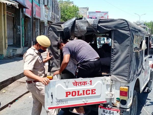 बाड़मेर शहर में बेवजह घूमने वाल को  क्वॉरेंटाइनसेंट भेजा गया। - Dainik Bhaskar