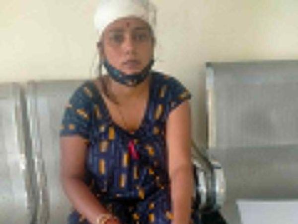 दीपा गुर्जर, जिसके  साथ मारपीट की गई - Dainik Bhaskar