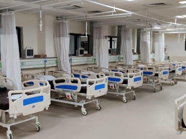 अस्पतालों में इलाज के नाम पर ज्यादा राशि वसूलने की शिकायत पर एसडीएम ने भोपाल के चार अस्पतालों पर कार्रवाई की। फाइल फोटो - Dainik Bhaskar