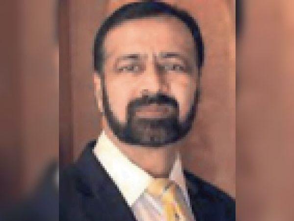 डॉ. सुधीर भंडारी एसएमएस मेडिकल काॅलेज जयपुर के प्रिंसिपल और कोविड मैनेजमेंट ग्रुप के हैड। - Dainik Bhaskar