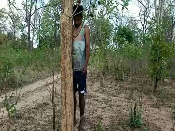 बालोद जिले के डौंडी थाना क्षेत्र के ग्राम मंगलतराई में युवक लेखराम लारिया ने फांसी लगाकर खुदकुशी कर ली। - Dainik Bhaskar