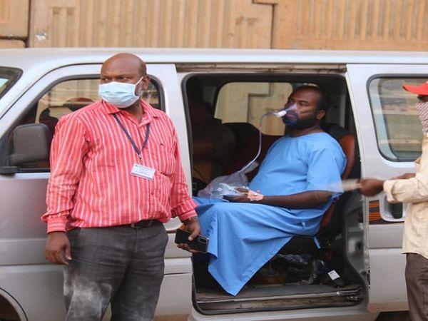हादसे के बाद 19 मरीजों के दूसरे अस्पताल और 10 को यशोदा अस्पताल भेजा गया।