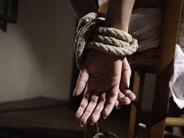 आरोपी ने दोस्तों के साथ मिलकर लड़की को जबरन शादी करने के लिए अगवा किया। - Dainik Bhaskar