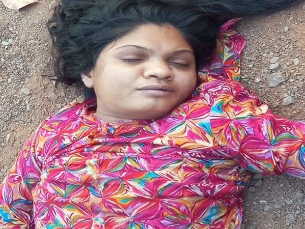 इस लड़की की उम्र 22 से 23 साल बताई जा रही है। मामले में माना थाने की पुलिस तफ्तीश कर रही है।