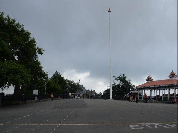 प्रदेश में पिछले कई दिनों से बारिश और बर्फबारी का दौर चल रहा है। - Dainik Bhaskar