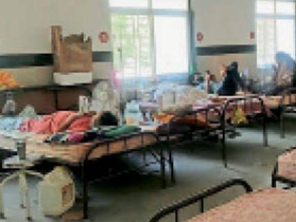 पिपरिया। सरकारी अस्पताल में 63 ऑक्सीजन बेड हो गए हैं। - Dainik Bhaskar