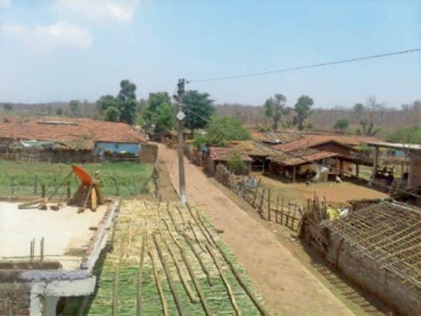 सिरकिया गांव की बसाहट में डिस्टेंस है। - Dainik Bhaskar