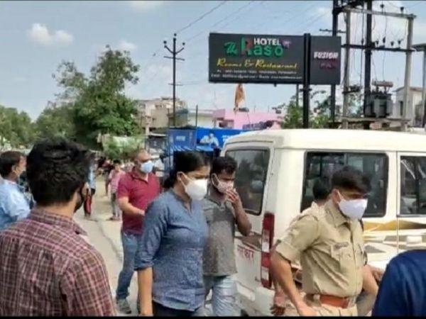 बरामद रेमडेसिविर इंजेक्शन बंग्लादेश का बताया जा रहा है। पुलिसिया पुछताछ  में बड़े रैकेट का खुलासा हो सकता है। - Dainik Bhaskar