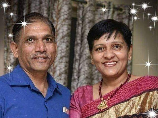 फोटो में ASP पत्नी के साथ जज अंतरसिंह अलावा - Dainik Bhaskar