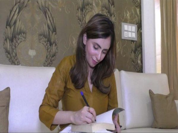 निकिता उपाध्याय आगे भी किताबे लिखना चाहती है।  जिसमें अपने प्रदेश की महक हो।