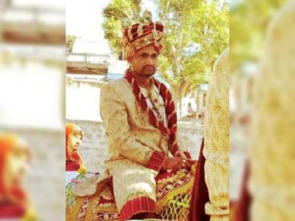 लक्ष्मणगढ़. शादी के दिन घोड़ी पर सवार सुरेन्द्र - Dainik Bhaskar