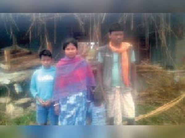 कामत बिहार टोला गांव में क्षतिग्रस्त घर। - Dainik Bhaskar