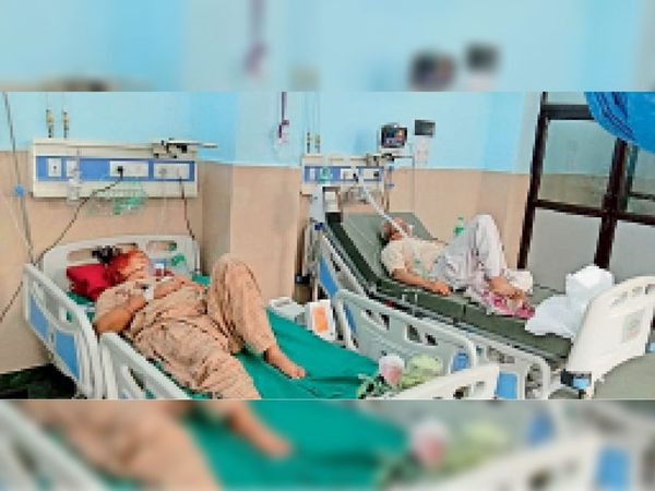 नारनाैल नागरिक अस्पताल में वेंटीलेटर पर उपचाराधीन राेगी। - Dainik Bhaskar