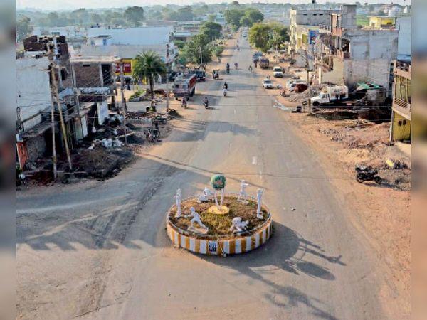 ओलंपिक चौराहा, यहां से बनाया जाना है दूसरा डिवाइडरयुक्त रोड। - Dainik Bhaskar