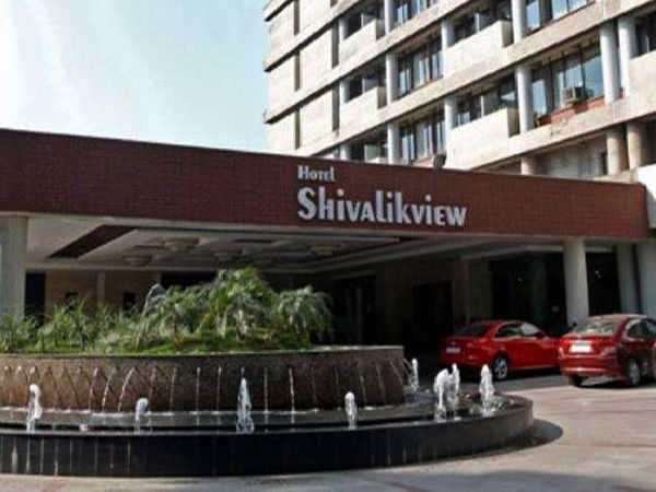 चंडीगढ़ में इस समय रोजाना 700 से ज्यादा कोरोना संक्रमण के मरीज सामने आ रहे है। - Dainik Bhaskar