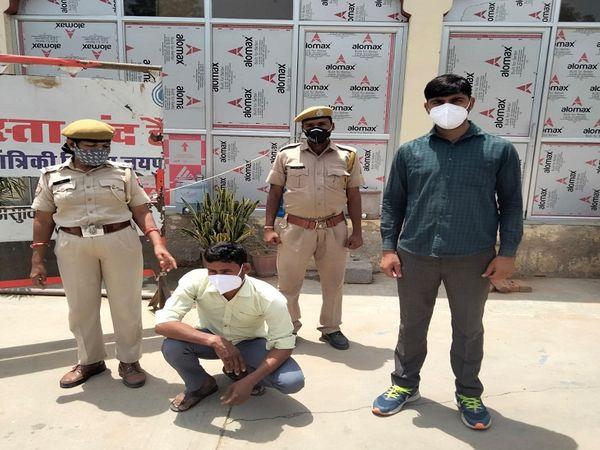 चोरी का आरोपी दीपक बैरवा। - Dainik Bhaskar