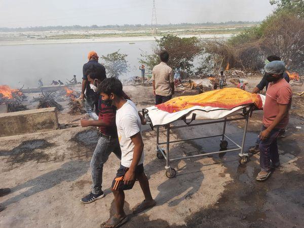 कानपुर के विश्राम घाट पर संक्र - Dainik Bhaskar