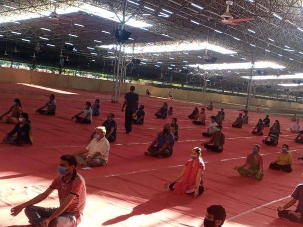 फिलहाल 1200 बेड यहां तैयार हैं। जरूरत पड़ने पर और बढ़ाएंगे। - Dainik Bhaskar