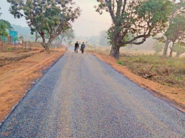 जवानों ने ऐसी शानदार सड़कें बनाई है। - Dainik Bhaskar