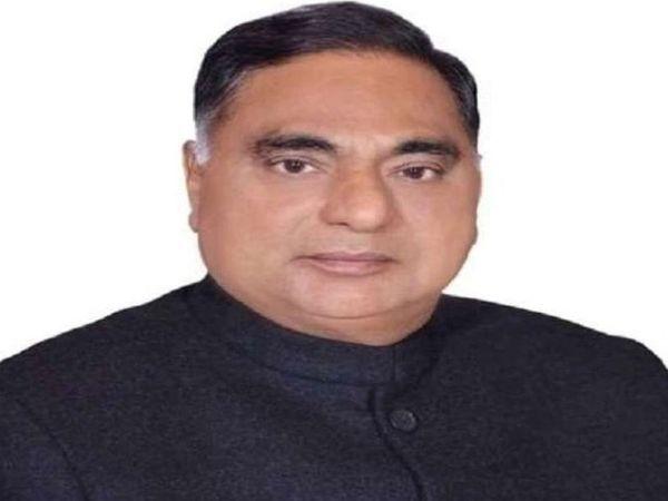 रामवीर सिंह बिधूड़ी -सीएम यह भी बताए कि जिन लोगों को राशन कार्ड नहीं है उनके लिए क्या कर रही हैं - Dainik Bhaskar