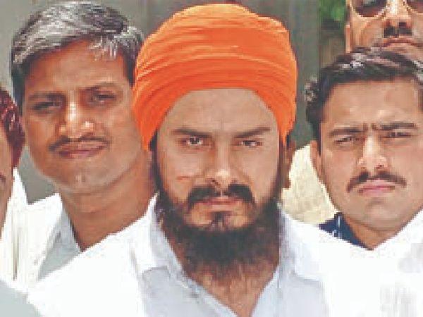 अन्य आरोपियों को 27 मई 2010 को दोषमुक्त कर दिया गया था। - Dainik Bhaskar
