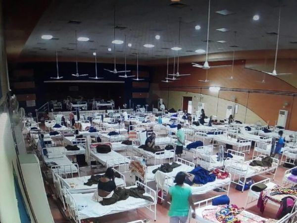 आर्मी ने आधा दर्जन से ज्यादा शहरों में इस तरह से कोविड केयर सेंटर बनाए हैं, जहां 24 घंटे कोरोना मरीजों का इलाज किया जा रहा है। - Dainik Bhaskar