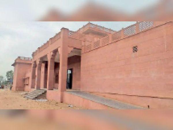 बांदीकुई   रेलवे जंक्शन पर नवनिर्मित द्वितीय प्रवेश द्वार। - Dainik Bhaskar