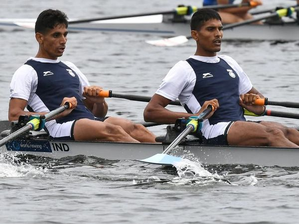 इंडियन रोइंग टीम अर्जुन लाल और - Dainik Bhaskar