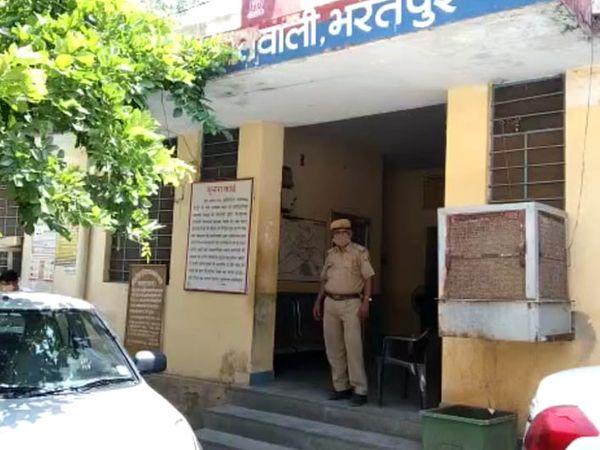 फिलहाल कोतवाली थाना पुलिस सभी आरोपियों से पूछताछ करने में लगी हुई है। - Dainik Bhaskar